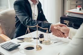 personal injury lawyer salary uk